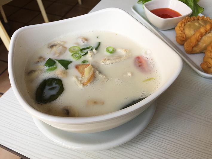 tom-khakai-thaituktuk-verytastyblog